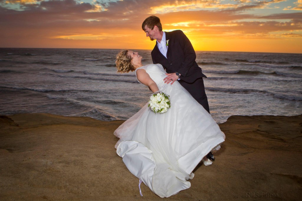 ELOPE TO SUNSET CLIFFS; A service of Elope to San Diego http://www.elopetosandiego.com | Photo Credit: RHS Photo - http://www.richardsantini.com